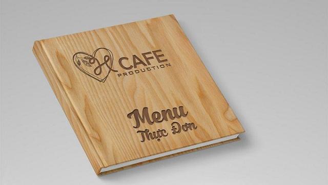 In menu bằng chất liệu gỗ - lam menu cafe