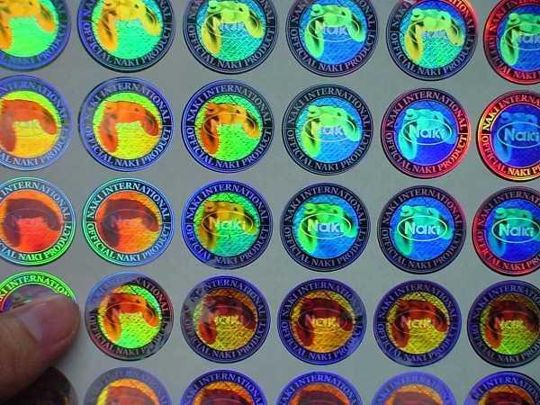 Decal 7 màu được sử dụng phổ biến trong in ấn sách vở