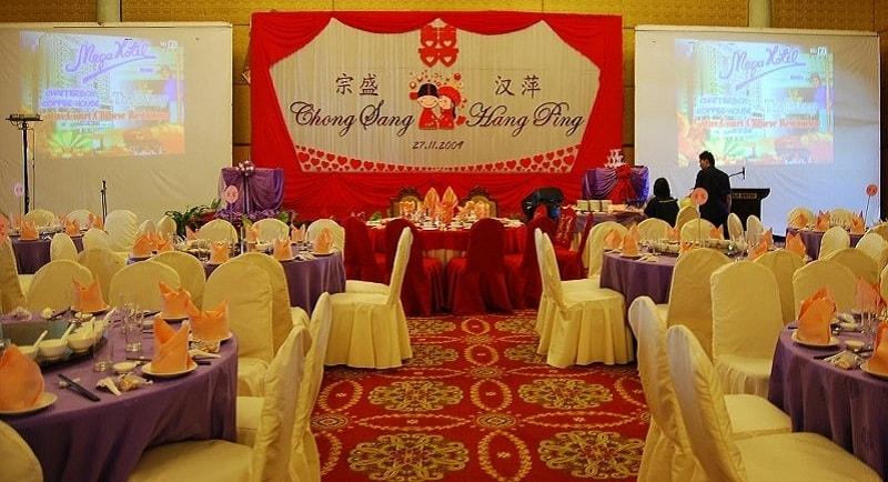In Tiết Kiệm tư vấn và thiết kế backdrop giá rẻ trọn gói