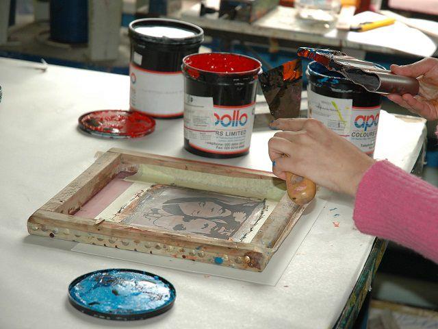 In lụa là phương pháp in ấn phổ biến hiện nay
